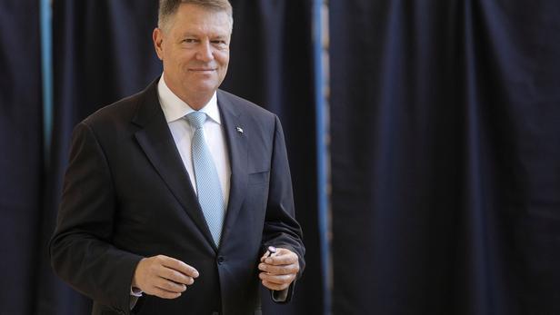 Roumanie:   le pro-européen Iohannis largement en tête au premier tour d