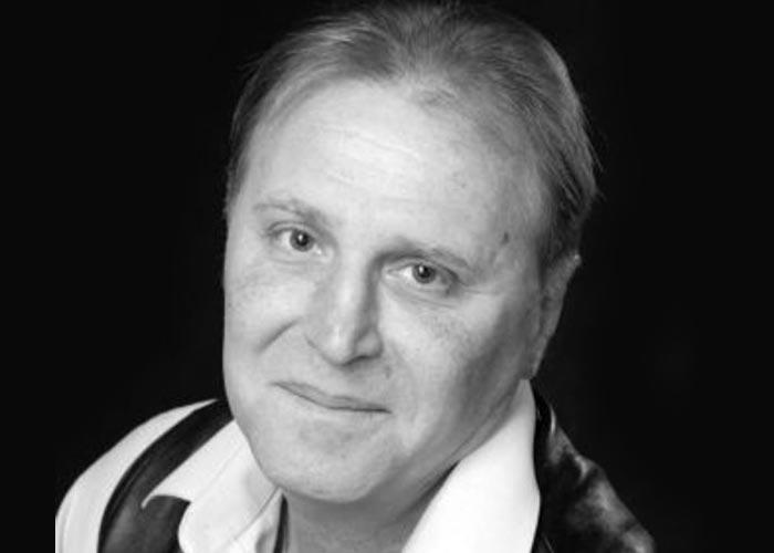 Aktyor tamaşa zamanı səhnədə öldü