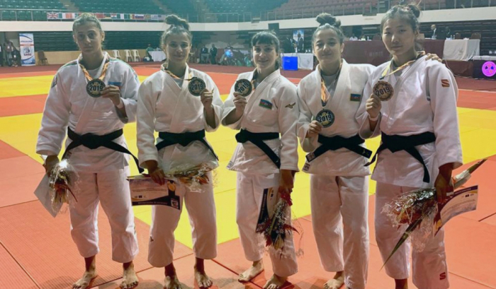Azerbaijani female judokas bring home five medals from Cameroon
