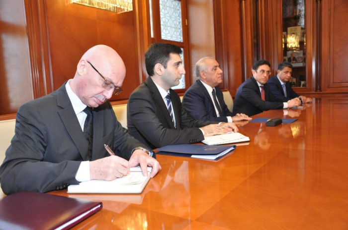 Azerbaijani Prime Minister meets with Minister of Foreign and European Affairs of Slovakia