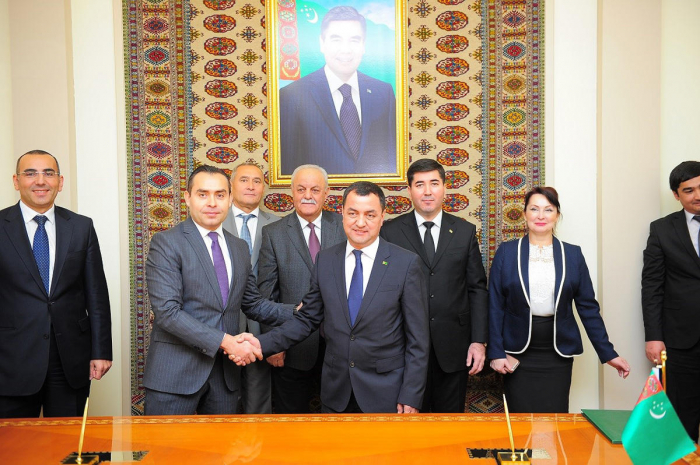 Azerbaijan, Turkmenistan sign intergovernmental agreement