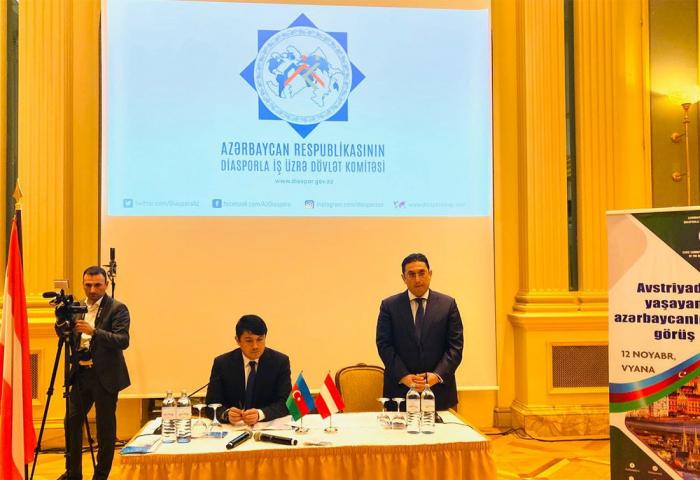 Fuad Muradov se reúne con los azerbaiyanos en Austria