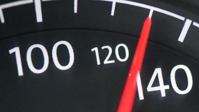 Hofreiter pocht auf Tempolimit auf deutschen Autobahnen