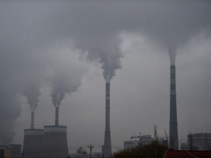 Charbon, gaz, pétrole: 50% de production en trop en 2030 pour tenir l