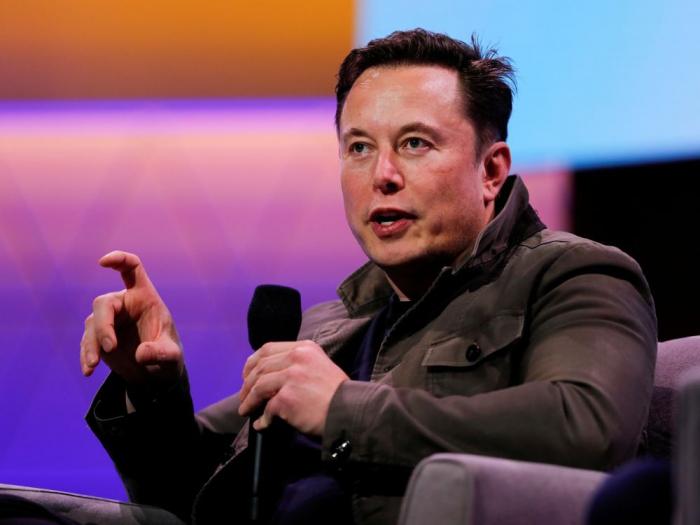 Tesla dévoile son premier modèle de camionnette électrique