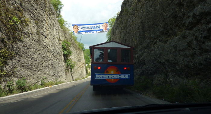 Over 20 injured as bus with Russian tourists collided with truck in Dominican Republic