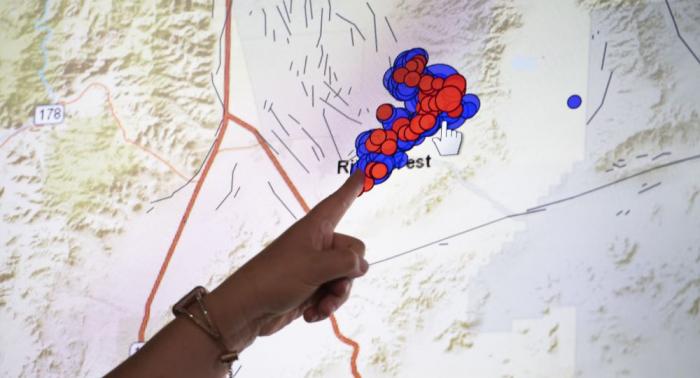 زلزال بقوة 5.9 درجة على مقياس ريختر يضرب مدينة بيتونغ الإندونيسية