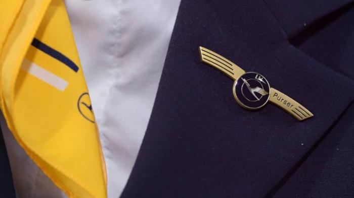 Tarifverhandlungen mit Verdi für saisonale Flugbegleiter