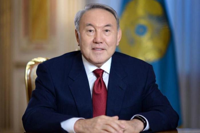 Nazarbayev Putinlə Zelenskini görüşdürmək istəyir