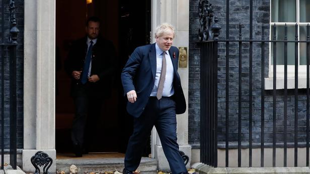 Royaume-Uni:   Boris Johnson lance en fanfare la campagne électorale