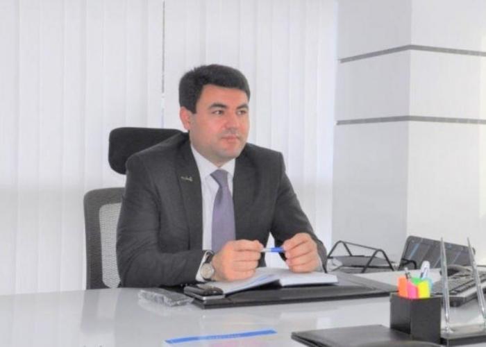 Prezidentin köməkçisi yeni icra başçısını kollektivə təqdim edib