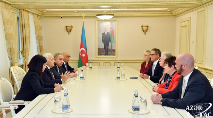 Se debatieron cuestiones relacionadas con el desarrollo de los vínculos entre los órganos legislativos de Azerbaiyán y los Estados Unidos