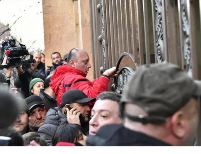 Tbilisidə 20-ə yaxın aksiya iştirakçısı saxlanılıb