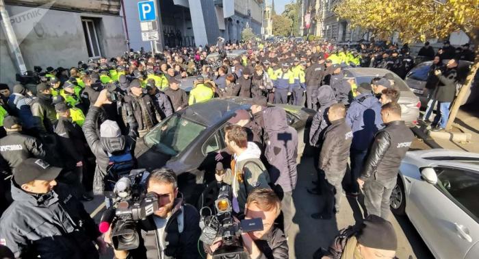 """Tbilisidə etirazçılardan deputatlara """"qara cümə"""" vədi"""