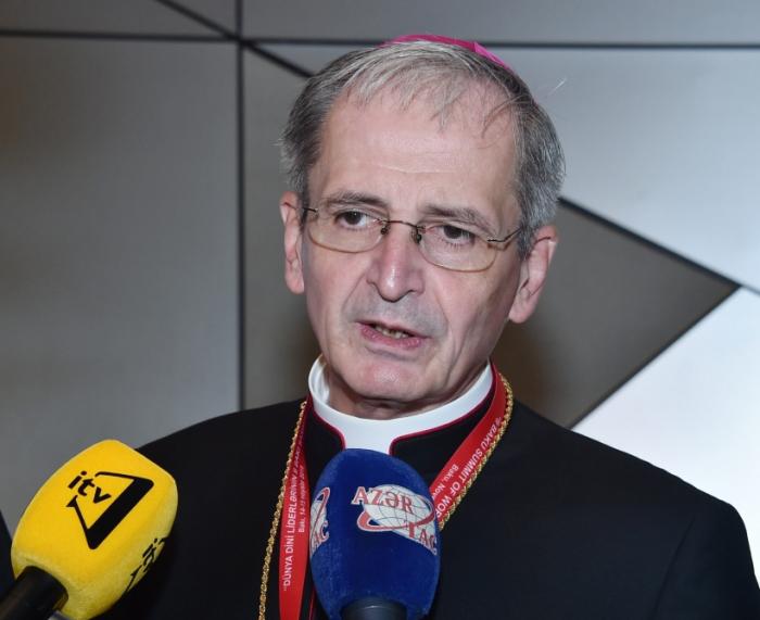 ستانيسلاف زفولنسكي: قمة باكو تساهم في تطوير الحوار والتعاون بين الأديان والمذاهب المختلفة