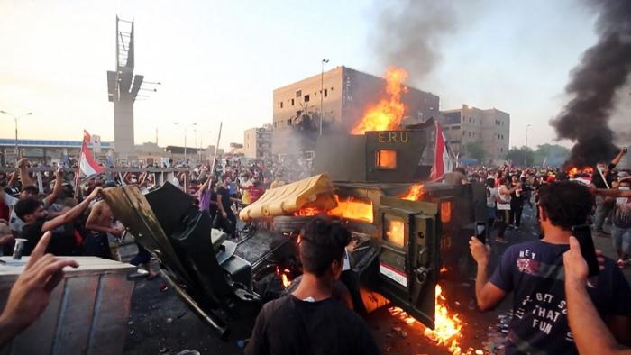 İraqda etiraz aksiyalarında 10 nəfər ölüb