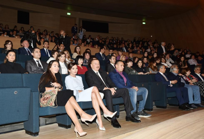 President Ilham Aliyev, First Lady Mehriban Aliyeva watch Maxim Galkin's creative evening in Baku