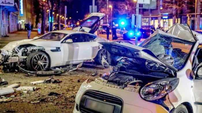 Kein Mord - Gerichtin Stuttgart verurteilt Raser zu fünf Jahren Jugendstrafe