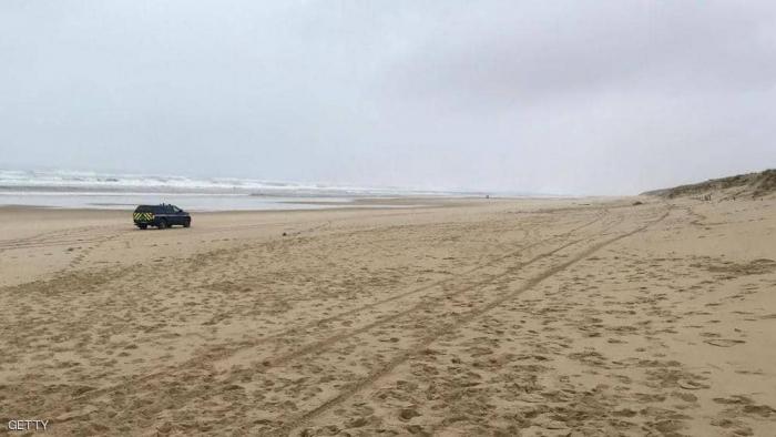 طن من الكوكايين على شواطئ فرنسا.. وباريس في حيرة