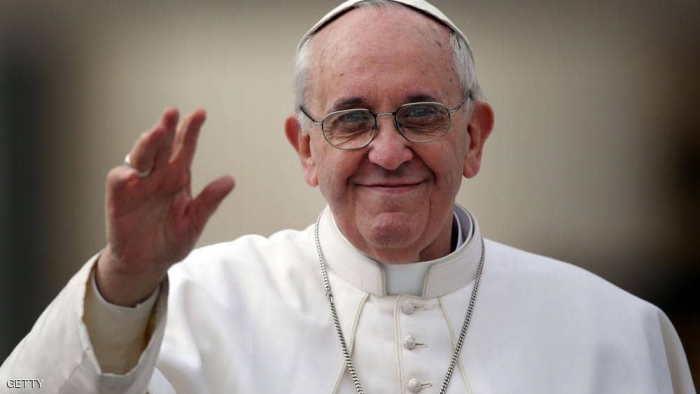 بابا الفاتيكان يطالب بحماية الأطفال على الإنترنت
