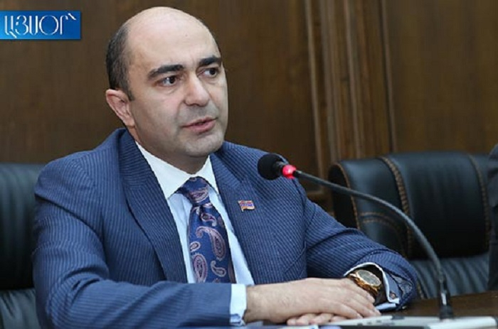 """""""Bu, ordumuzun döyüşə hazır olmaması deməkdir"""" - Erməni deputat"""