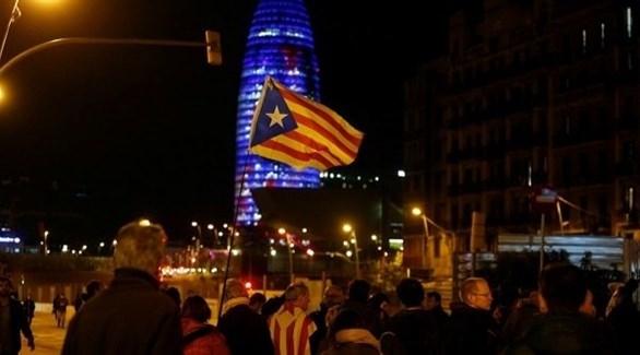 الانفصاليون الكتالونيون يقطعون طريقاً سريعاً بين إسبانيا وفرنسا