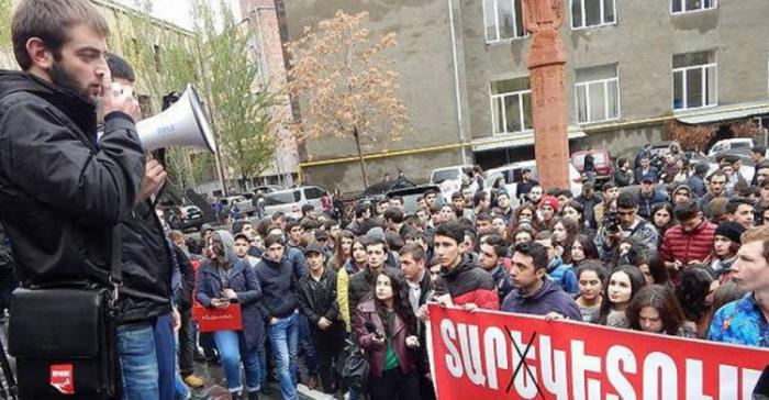Ermənistanın ali məktəblərində etiraz aksiyaları