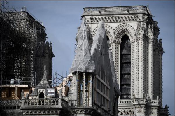 Notre-Dame: Total concrétise sa promesse de dons de 100 millions d