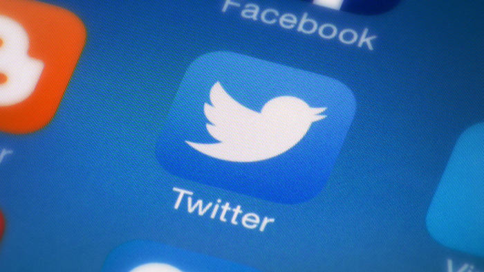 Twitter rolls out global