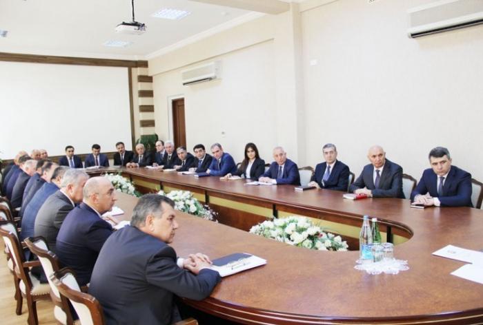 مناقشة التعاون الأذربيجاني الأمريكي في واشنطن