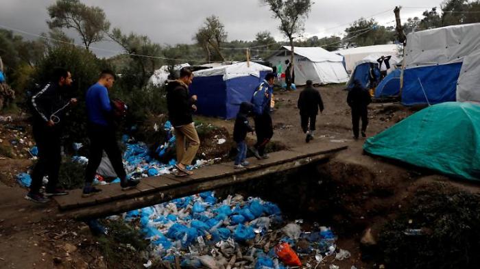Bund soll Lesbos-Flüchtlinge aufnehmen