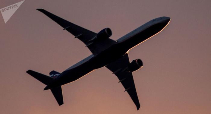 Un Boeing fait demi-tour à cause d'une étrange poussière blanche à bord