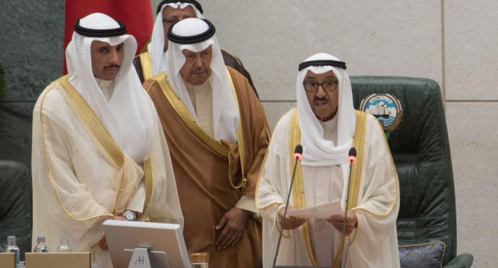"""بعد الاعتداء على رئيس """"الأمة الكويتي"""" في مقبرة الصليبخيات...أمير البلاد يوجه رسالة"""