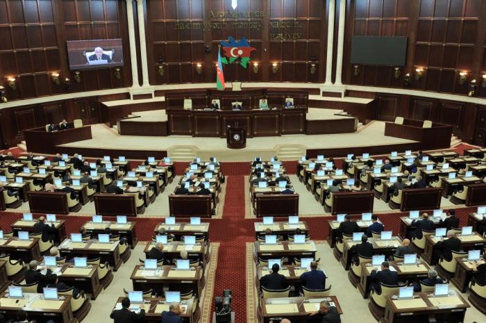 Sabah parlamentin buraxılması məsələsinə baxılacaq