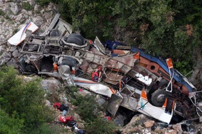 Dəhşətli avtobus qəzası: 14 ölü, 16 yaralı