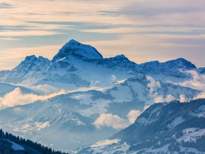 Two skiers die in accident on Italian Alps