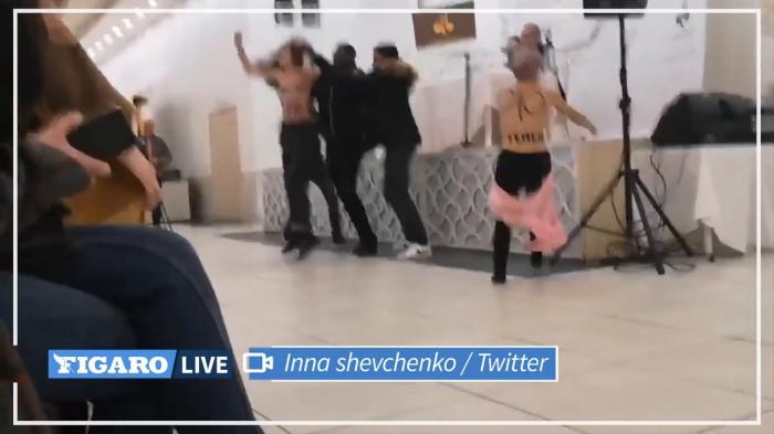 Deux Femen interrompent brièvement une conférence de Tariq Ramadan