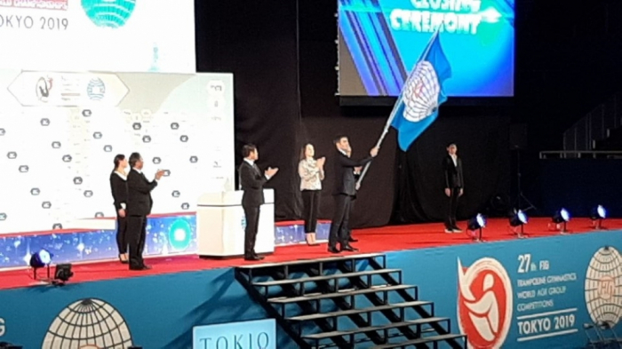 Se entrega a Azerbaiyán la bandera de la Federación Internacional de Gimnasia
