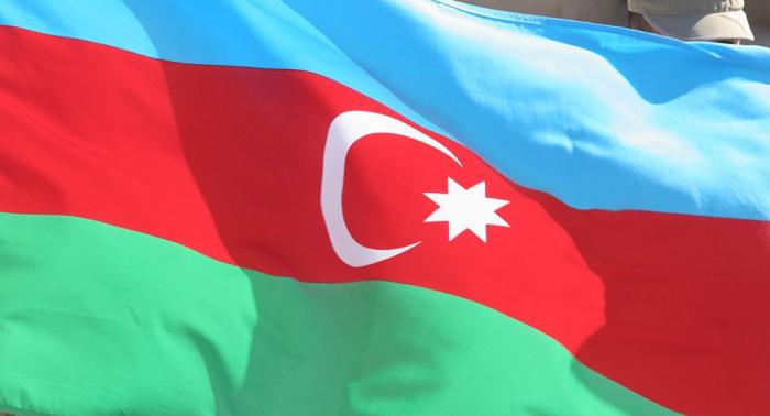 Azerbaiyán, dispuesto a comprar armamento a Rusia