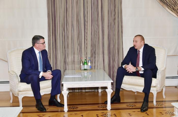 Presidente Ilham Aliyev recibe a la delegación de CISCO