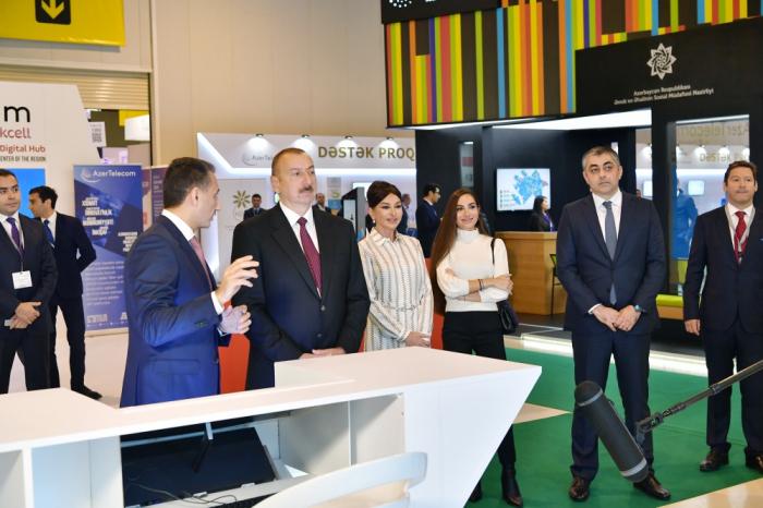 """Prezident və birinci xanım """"Bakutel-2019"""" sərgisində - FOTOLAR (YENİLƏNİB)"""