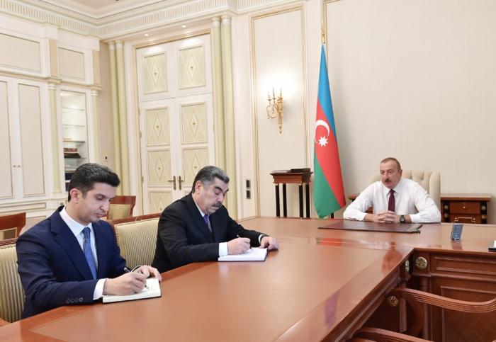 Ilham Aliyev reçoit les nouveaux chefs des autorités exécutives de Hadjigaboul et de Naftalan