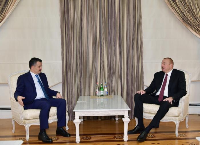 Ilham Aliyev recibe a una delegación encabezada por el Ministro de Agricultura y Silvicultura de Turquía