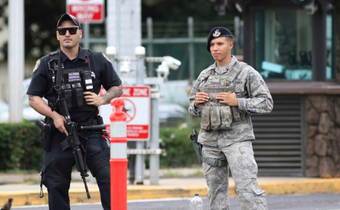 Fusillade sur la base navale de Pearl Harbor à Hawaï, 3 morts