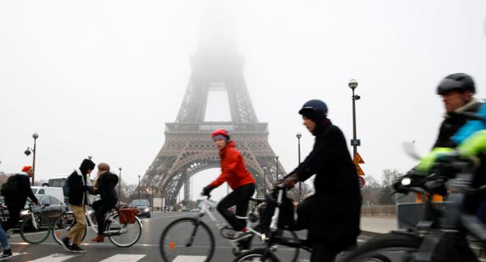 La torre Eiffel cierra al público por la huelga general contra la reforma de las pensiones