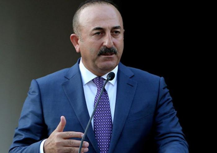 """Movlud Chavusoglu:  """"El conflicto de Karabaj se debe resolver dentro del derecho internacional"""""""