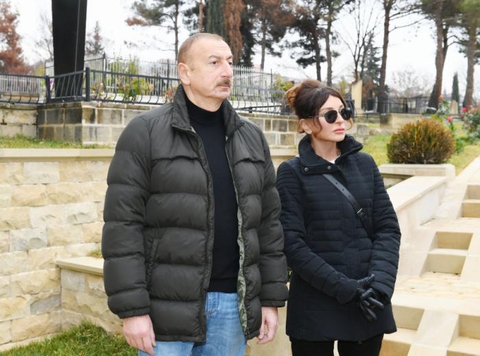 Prezident birinci xanımla Şahxəndan türbəsində - FOTOLAR (YENİLƏNİB)