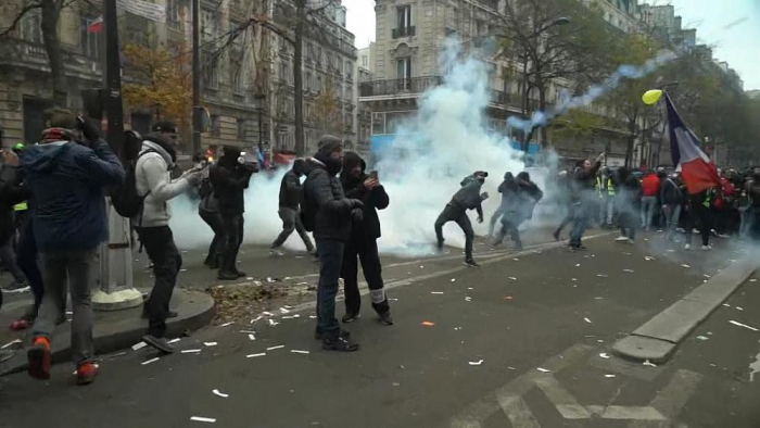 France brought to a near-standstill as enormous strike gets underway-   NO COMMENT