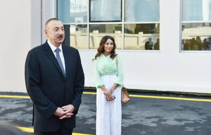 Ilham Aliyev besucht Baumpflanzkampagne in Schamachi