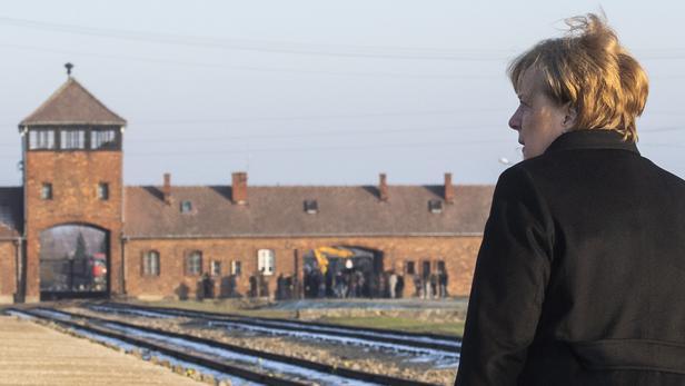 Merkel à Auschwitz:  la mémoire des crimes nazis «inséparable» de l